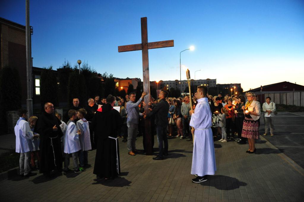 Droga krzyżowa ulicami parafii